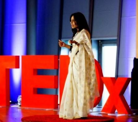 Vithika Yadav presenting.jpg